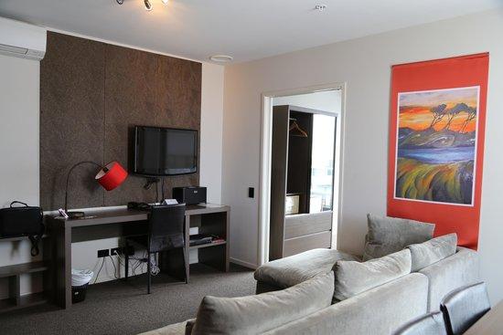 Waldorf Celestion Apartment Hotel: Living room 2