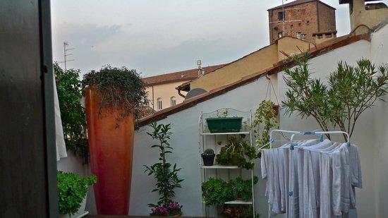 На террасе - Picture of B&B Casanova, Verona - TripAdvisor
