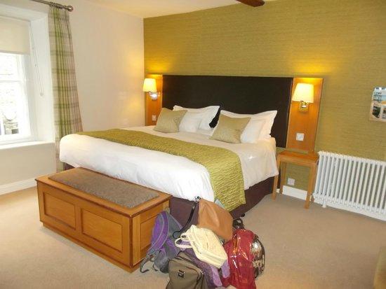 Sun Inn: Huge comfy bed