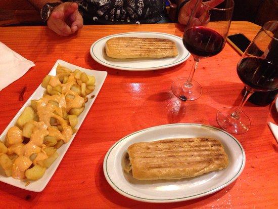 Petit Bar: Bravas & chicken+cheese sandwich