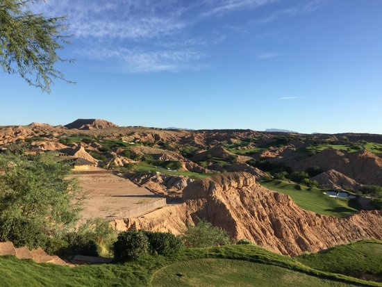 Wolf Creek Golf Club: view from the 2nd tee