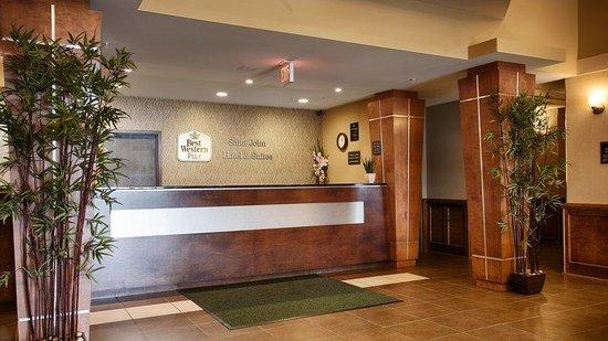 Best Western Plus Saint John Hotel & Suites: Front Desk