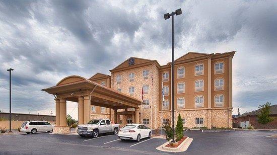Best Western Plus JFK Inn & Suites: Exterior