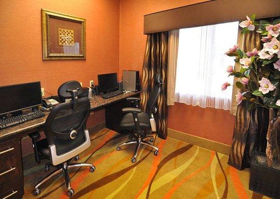 Best Western Plus JFK Inn & Suites: Business Center