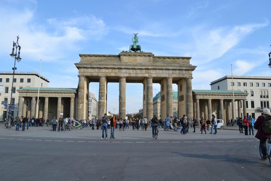 Explore Berlin Tours: Brandenburger Tor