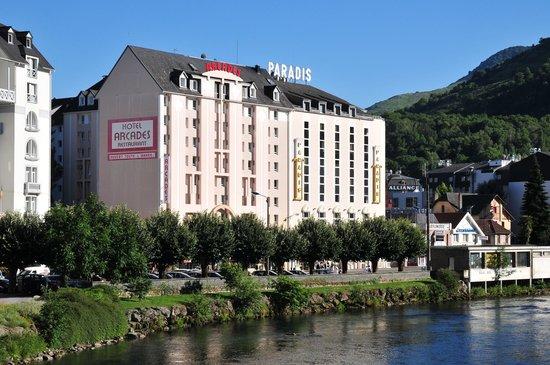 Hotel Paradis : l'hotel da oltre fiume Gave