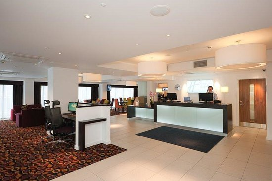 Holiday Inn Express Birmingham South A45: A friendly welcome every time from our 24 hour reception