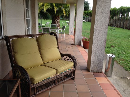 The Way Hostel: Rest up on the patio