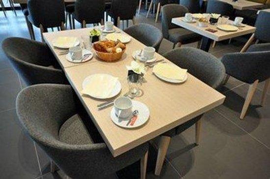 Qualys Hotel & Spa Vannes : Breakfast room