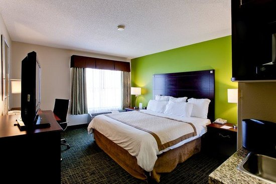 Country Inn & Suites By Carlson, Cedar Rapids North: Guestroom