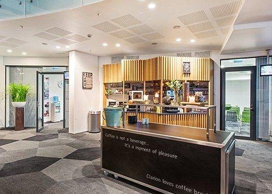 Clarion Hotel The Edge: Coffee Bar