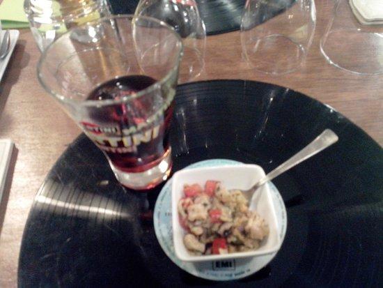 Chez Félicien : Une petite salade de la mer offerte à l'apéro