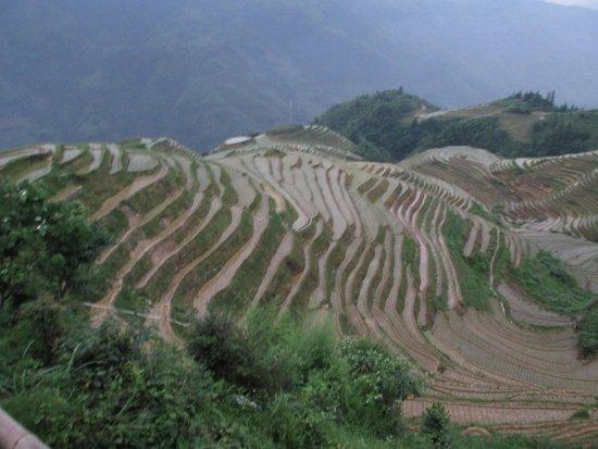 Beiliu, China: Mooie horizontaal afgevlakte bergtop....