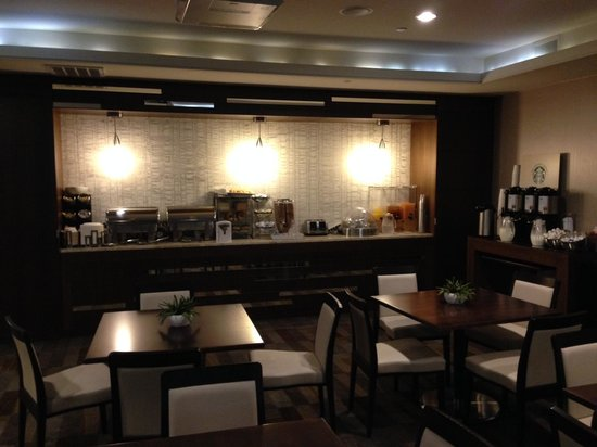 Hotel Zero Degrees Norwalk : The Breakfast Buffet