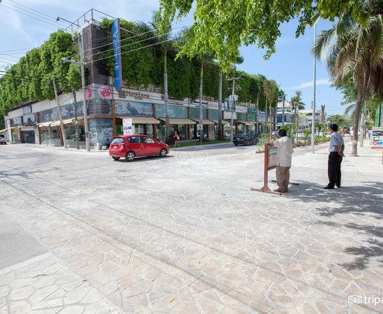 Photo of Hotel La Tortuga Hotel & Spa at Avenida 10, Esq Calle 14, Playa del Carmen 77710, Mexico