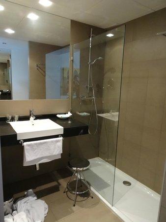Areca Hotel: baño