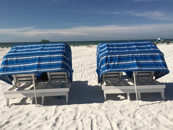 Sarasota Surf and Racquet Club: Beach Chairs for Rent