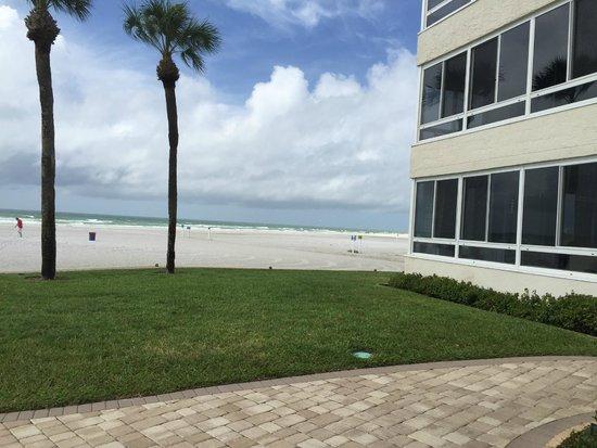 Sarasota Surf and Racquet Club: Hotel