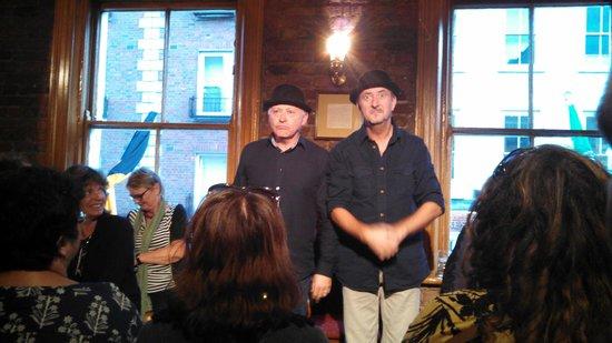 Dublin Literary Pub Crawl: The tour begins