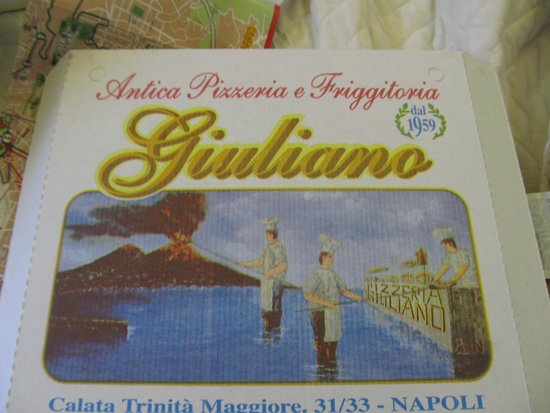 Pizzeria Giuliano : Pizza cooked in the fires of a volcano