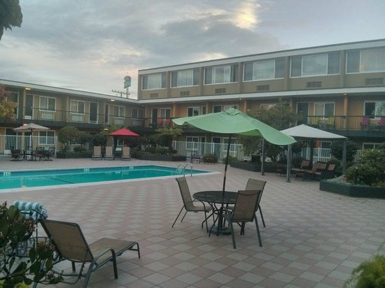 The Inn at Jack London Square: área da piscina