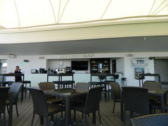 Hotel Real Alameda: bar de la terrasse