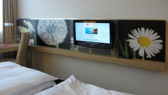 H+ Hotel Zürich: TV