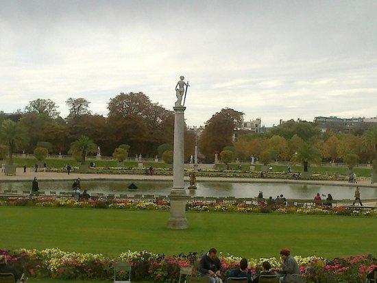 Palais du jardin de luxembourg picture of luxembourg for Jardin du luxembourg hours