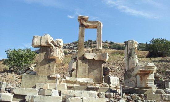 Memmius Monument