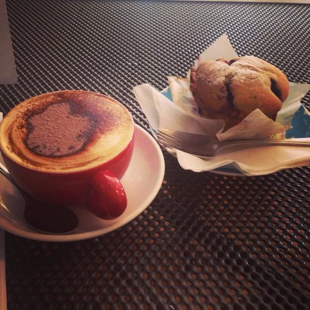 Short Street Store: Soy cappocinno and mixed berry muffin