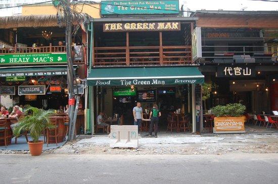 The Green Man Pub & Restaurant: the outside