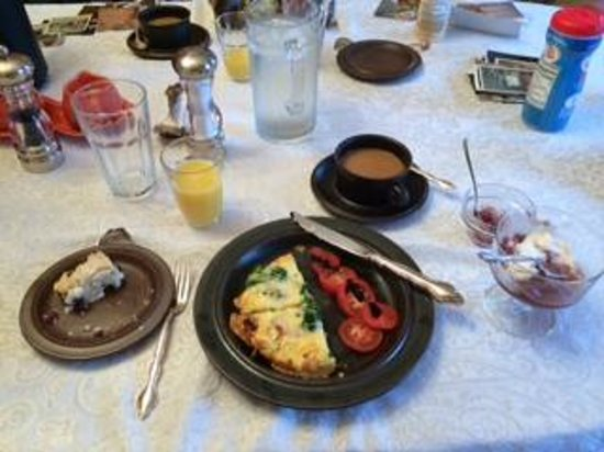 Ranney-Crawford House Bed and Breakfast: This was considered a light breakfast. I am dreaming of the scones!