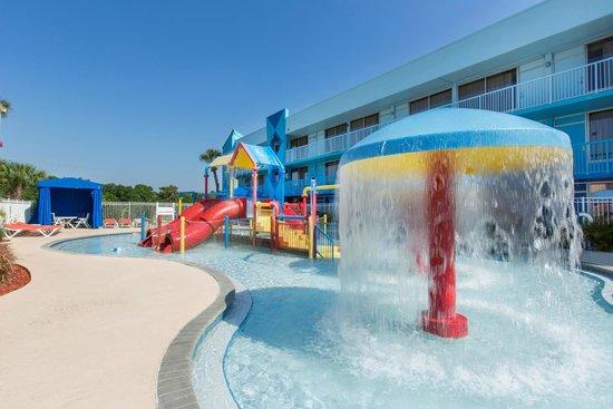 Flamingo Waterpark Resort: Children's waterpark area