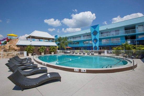 Flamingo Waterpark Resort: Pool