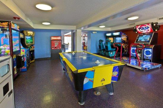 Flamingo Waterpark Resort: Arcade Room