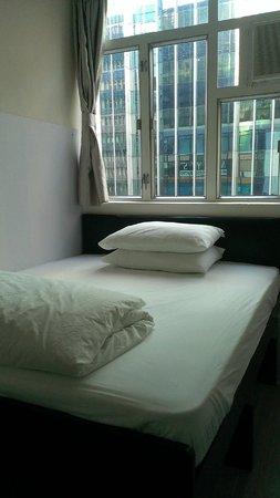Alohas Hostel: 房間內3