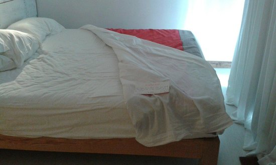 La Maison d'Eté Hotel : The hotel staff was nice & sympathetic- in regards to my small room's issues.