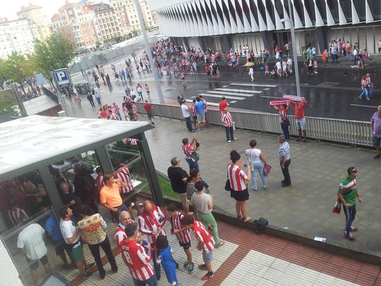NH Bilbao Zubialde : the football match from my room window