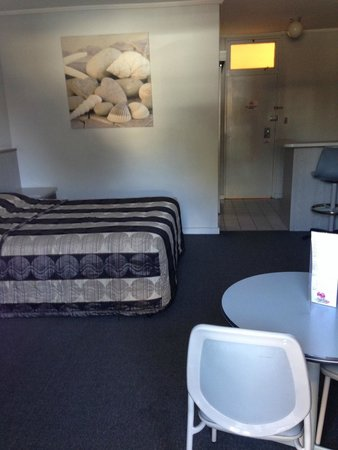 Comfort Inn Anzac Highway : view as you walk in the door