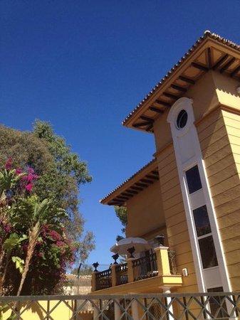 Villa Lorena Malaga: The hotel from outside