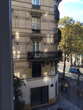 Hotel Royal Saint Michel: view to Boulevard St Michel from the window
