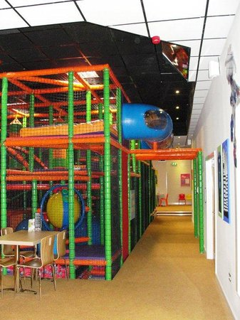 The Play Cafe: party room side