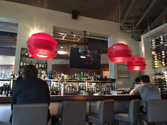 Flying Fish : bar table