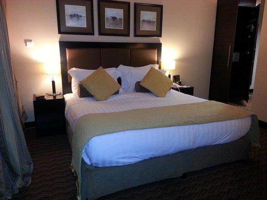 Al Manzel Hotel Apartments : BED