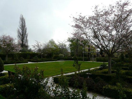 Hillsfield House Bed and Breakfast Marlborough: Gardens