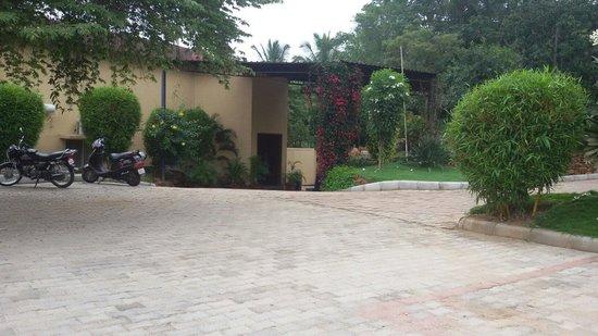 Elim Resort: Entrance