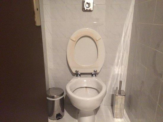 Grand Hôtel de Nîmes: Le WC