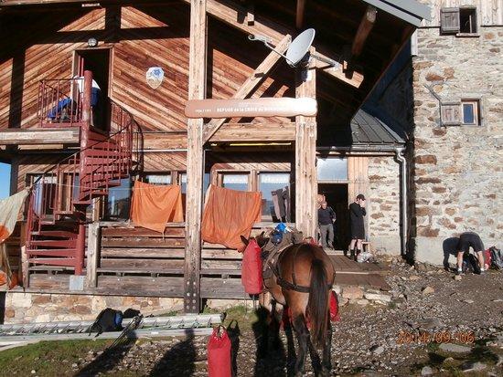 Refuge du Col de la Croix du Bonhomme : Вид на приют