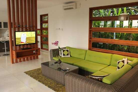 Papillon Garden Villas by Premier Hospitality Asia: living room