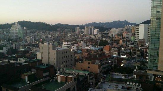 SH Seoul Hongdae: View from the lift lobby.